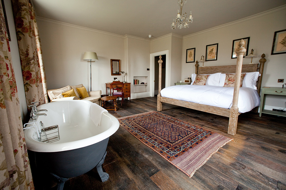 Bedroom_at_THE_PIG-near_Bath-2