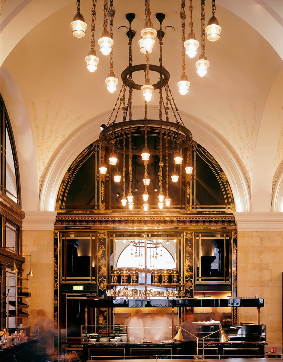 rex-40-the-wolseley-interior-towards-bar-large